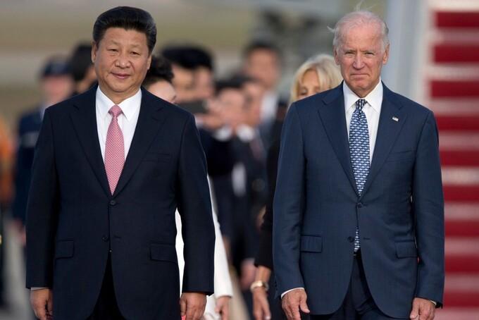Chủ tịch Trung Quốc Tập Cận Bình và ông Joe Biden khi là Phó tổng thống Mỹ năm 2015. Ảnh: AP