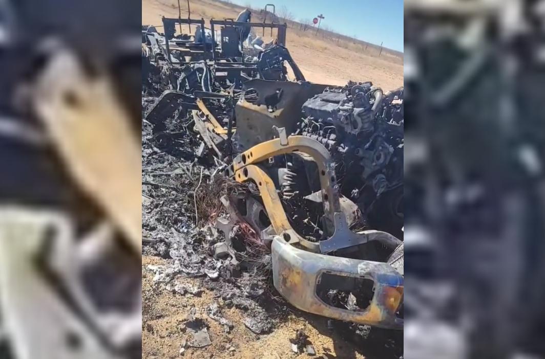 Những gì còn lại của chiếc Ford Super Duty sau vụ cháy. Ảnh từ video