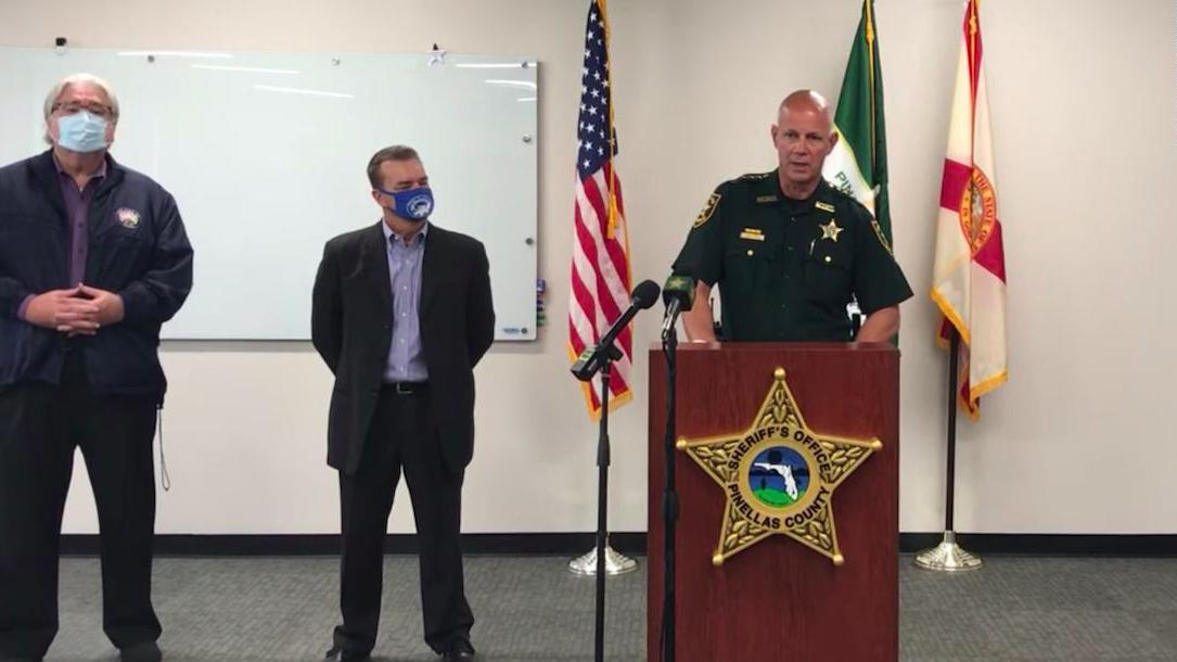 Cảnh sát trưởng hạt Pinellas, bang Florida, Bob Gualtieri, trong cuộc họp báo về sự việc hôm 8/2. Ảnh: Pinellas County Sheriffs Office.