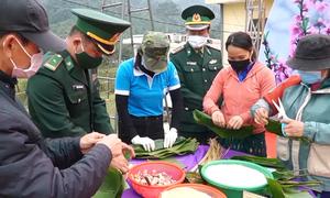 Bộ đội biên phòng chăm lo Tết cho đồng bào biên giới