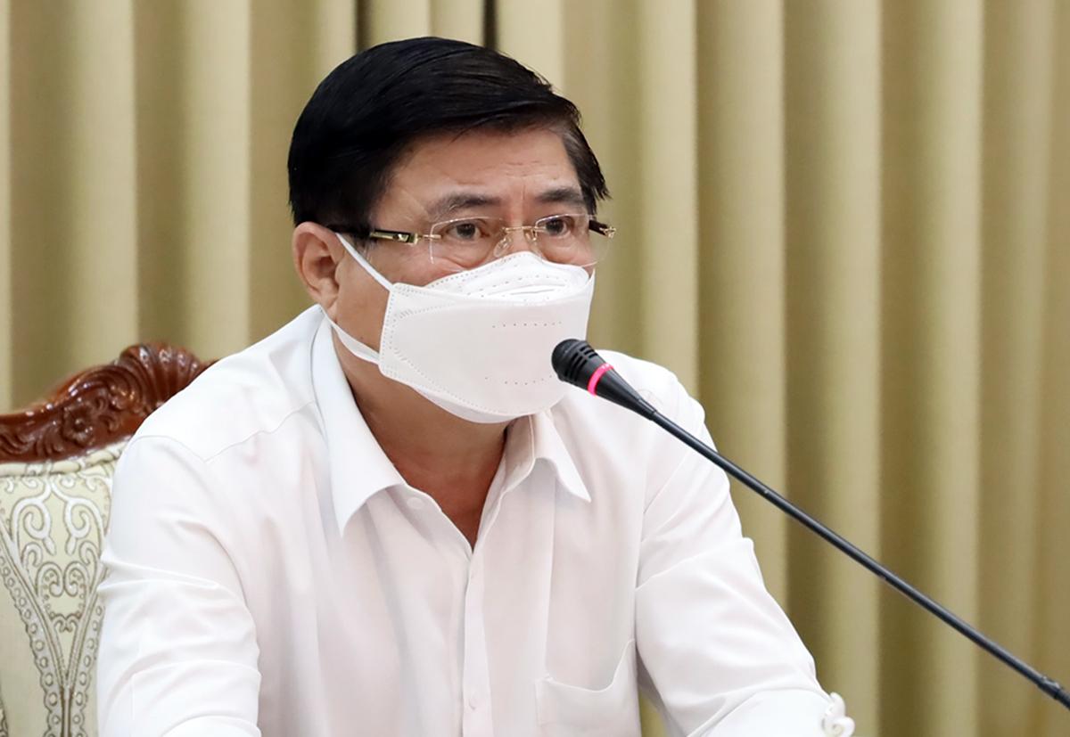Chủ tịch UBND TP HCM Nguyễn Thành Phong tại cuộc họp Ban chỉ đạo chống dịch chiều nay. Ảnh: Trung tâm báo chí TP HCM.