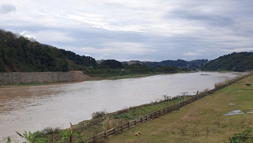 Trưa 9/2, mực nước trên sông Hồng khu vực Lũng Pô (Bát Xát) dâng cao. Ảnh: Nguyễn Chỉnh