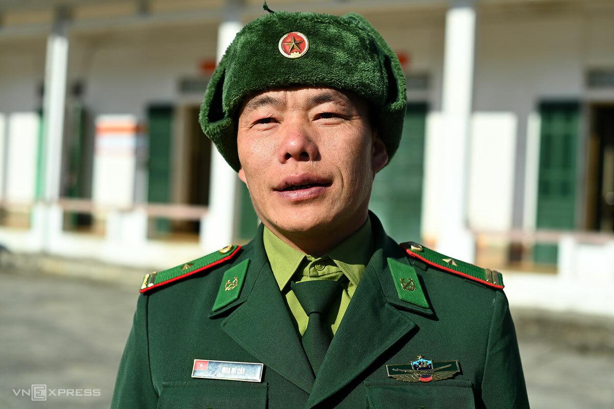 Thiếu tá Mua Mí Cáy, Chính trị viên Đồn biên phòng Xín Cái. Ảnh: Giang Huy
