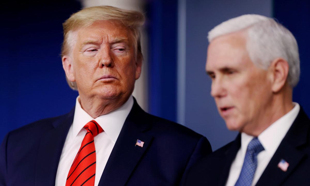 Cựu tổng thống Donald Trump (trái) và cựu phó tổng thống Mike Pence tại Nhà Trắng hồi tháng 3/2020. Ảnh:Reuters.
