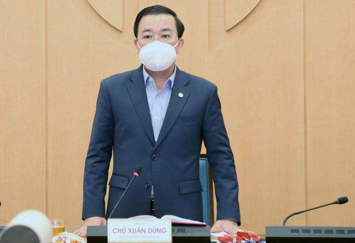 Phó chủ tịch UBND TP Chử Xuân Dũng phát biểu tại cuộc họp chiều 15/2. Ảnh: Xuân Hải.