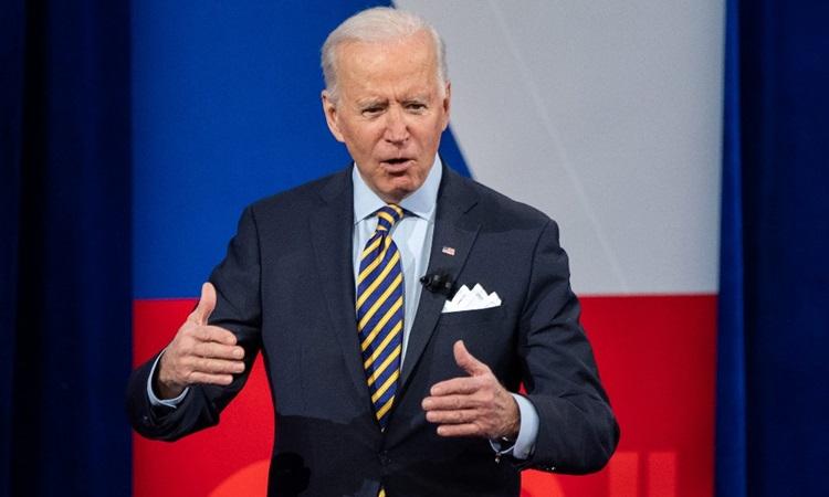 Tổng thống Mỹ Joe Biden tham gia chương trình của CNN tại nhà hát Pabst, bang Wisconsin hôm 16/2. Ảnh: AFP.