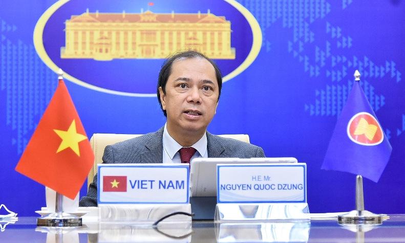 Thứ trưởng Nguyễn Quốc Dũng phát biểu tại cuộc họp ngày 18/2. Ảnh: Bộ Ngoại giao.