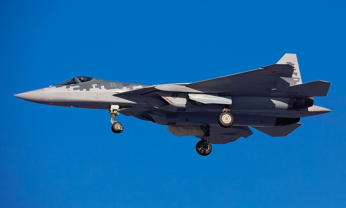 Tiêm kích Su-57 bay thử tại trung tâm Akhtubinsk hồi tháng 1/2021. Ảnh: Russian Planes.