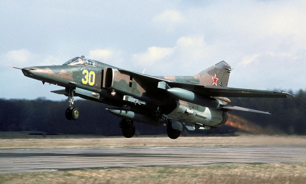 En 1993, un bombardero MiG-27 llegó a Rusia desde la base Recklin-Lars en Alemania.  Foto: Rob Schlifert.