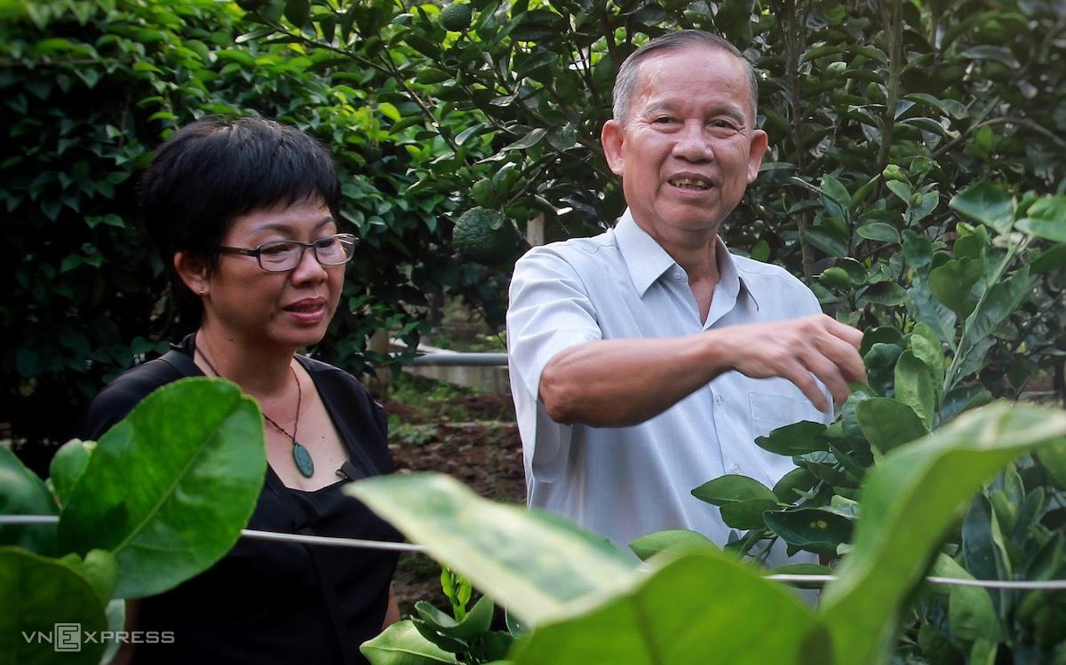 Phó thủ tướng Trương Vĩnh Trọng trong khu vườn ở quê nhà Bến Tre, năm 2018. Ảnh: Hữu Khoa