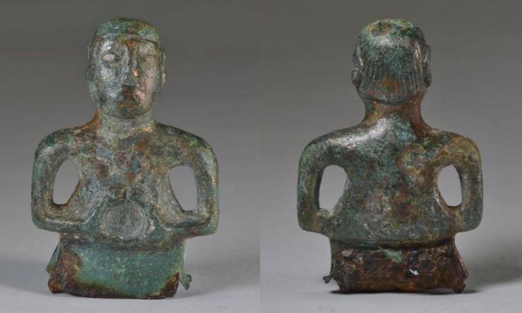 Tượng thần Celtic 2.000 năm tuổi với tóc mullet. Ảnh: National Trust/Oxford Archaeology East/James Fairbairn.