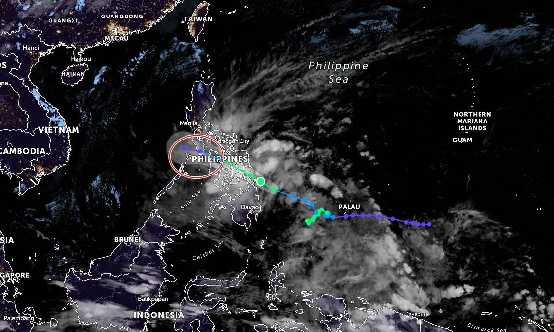 Khu vực bão Dujuan dự kiến đổ bộ vào đêm nay và sáng mai (khoanh đỏ). Ảnh: Zoom.Earth