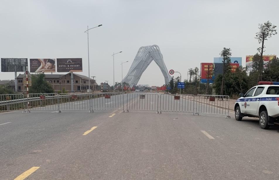 Blockade in Hai Duong.  Photo: CTV
