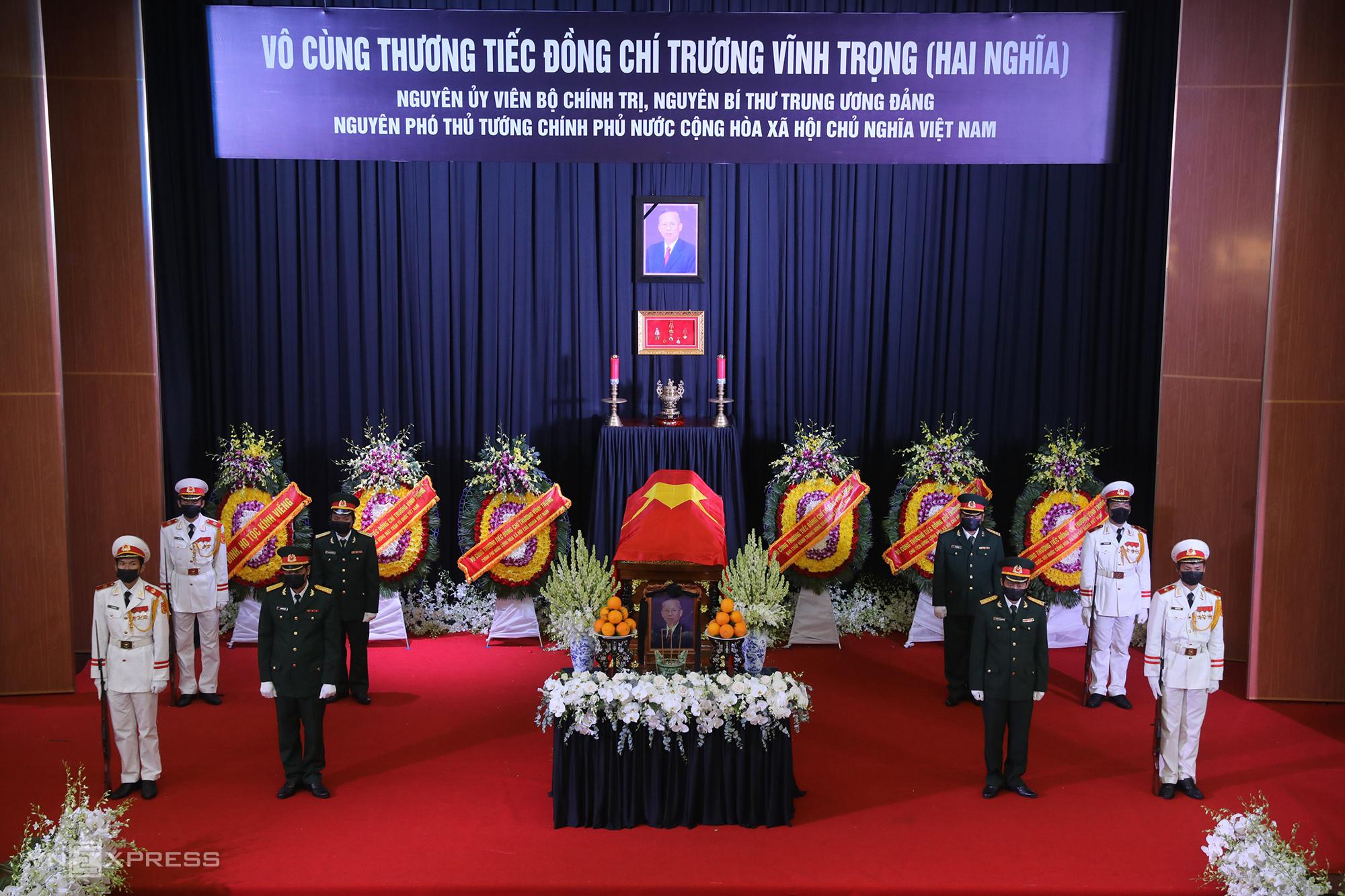 Linh cữu nguyên Phó thủ tướng Trương Vĩnh Trọng tại hội trường lớn UBND tỉnh Bến Tre, ngày 21/2. Ảnh: Quỳnh Trần