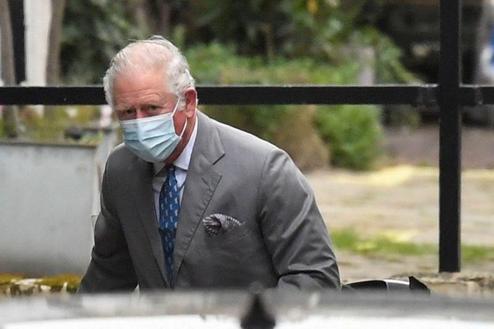 Thái tử Charles đến bệnh viện King Edward VII ngày 20/2. Ảnh: Reuters.