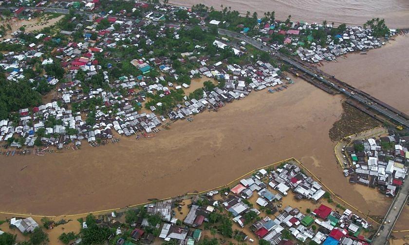 Thành phố Tandag ở Surigao del Sur ngập trong nước lũ sau khi bão Dujuan đổ bộ sáng nay. Ảnh: Facebook/Thống đốc tỉnh Surigao del Sur