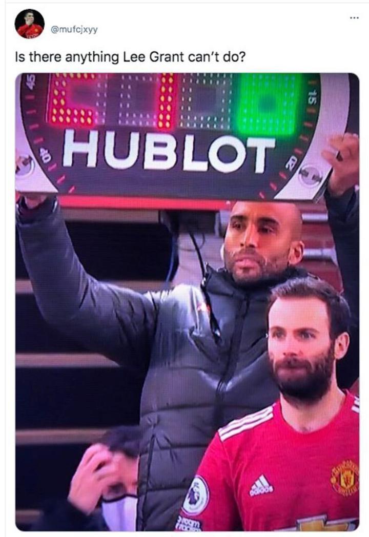 CĐV Man Utd không khỏi ngạc nhiên.
