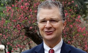 Đại sứ Mỹ: 'Tôi đọc cả VnExpress tiếng Anh và tiếng Việt'