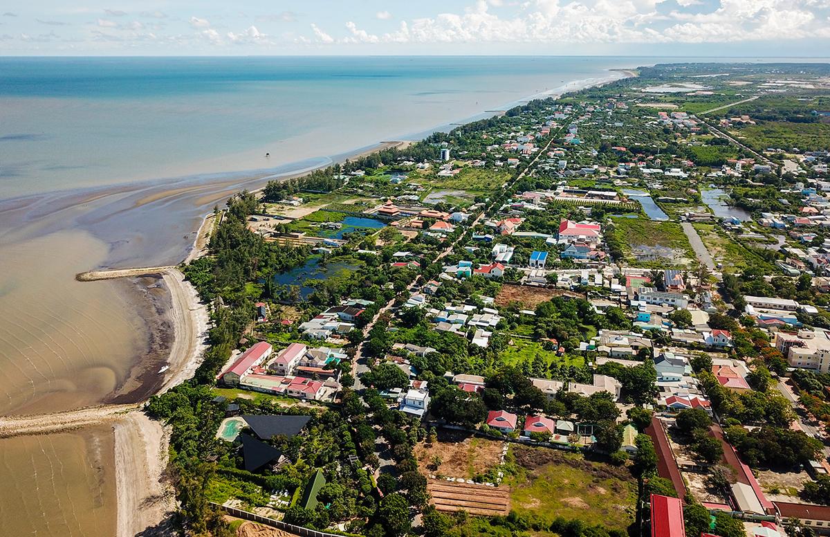 Khu vực thị trấn Cần Thạnh, huyện Cần Giờ và vùng biển xung quanh tháng 7/2020. Ảnh: Quỳnh Trần.
