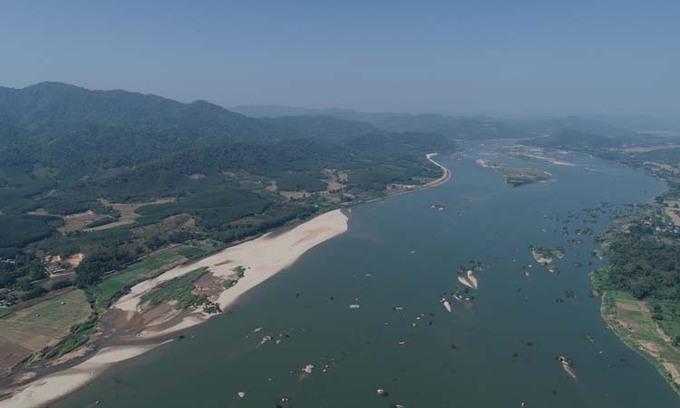 Đoạn sông Mekong tại quận Sangthong, thủ đô Vientiane, Lào. Ảnh: MRC.