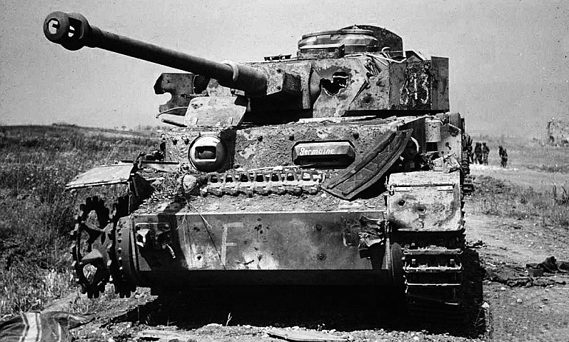 Panzer IV tanks were destroyed in Tunisia in 1943. Photo: US Army.