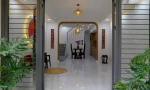 Cải tạo căn nhà không cột trong hẻm Sài Gòn
