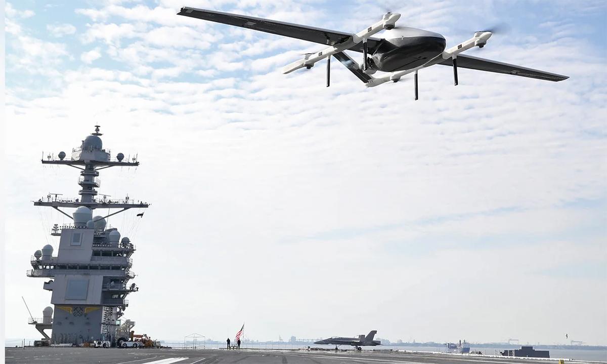 Hải quân Mỹ dùng UAV tiếp tế cho siêu tàu sân bay USS Gerald R. Ford, ngày 21/2. Ảnh: US Navy.