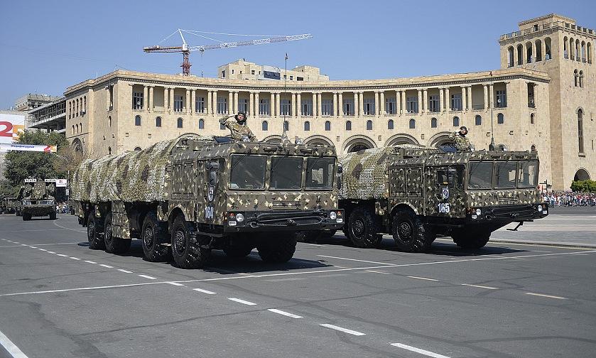 Xe phóng đạn Iskander duyệt binh ở thủ đô Yerevan năm 2016. Ảnh: Bộ Quốc phòng Armenia.