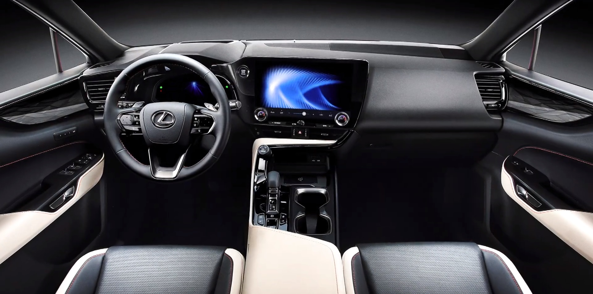 Khoang lái của NX thế hệ thứ hai.