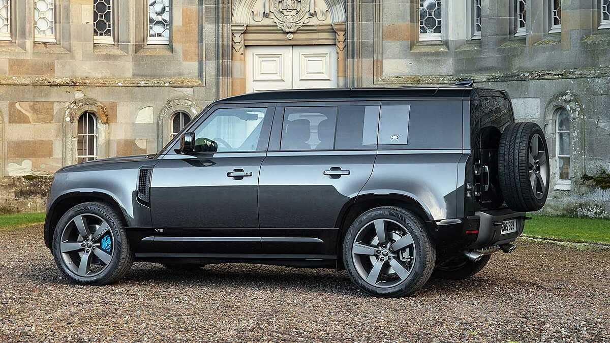 Defender V8 bản trục cơ sở dài. Ảnh: Land Rover
