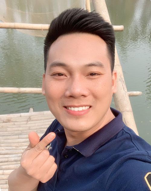 Thầy Nguyễn Duy Nhất, giáo viên trường Tiểu học Đông Thái, quận Tây Hồ. Ảnh: NVCC.