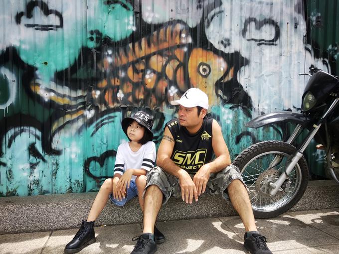 Cô bé Tày theo bố xuống Hà Nội học tiếng Anh mỗi tuần - 4