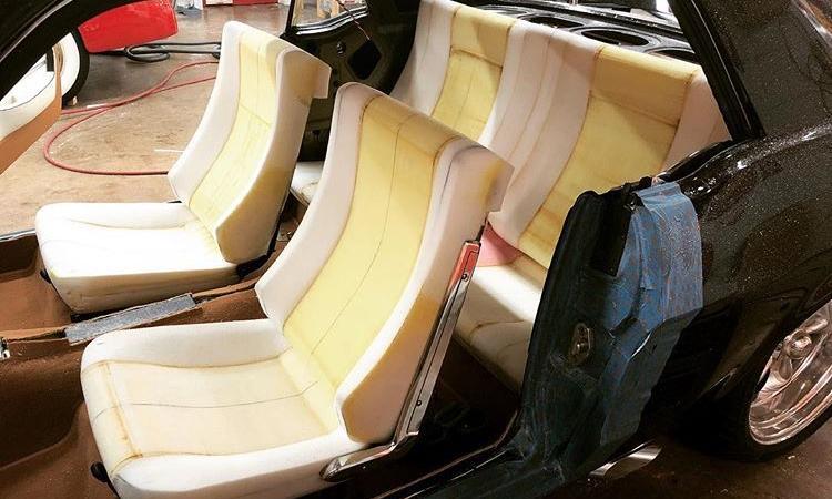 Mút xốp được sử dụng để làm ghế ôtô. Ảnh: Pinterest