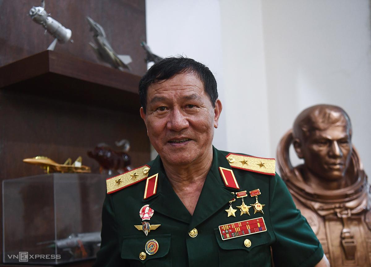 Anh hùng Phạm Tuân. Ảnh: Giang Huy.