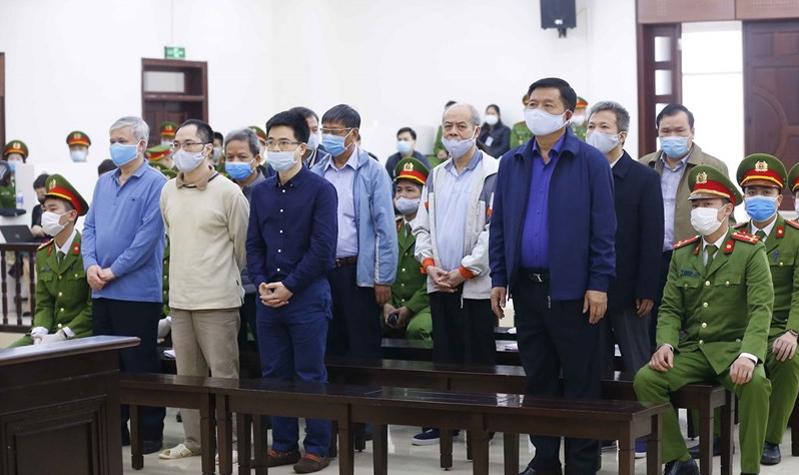 Các bị cáo trong phiên xét xử sơ thẩm.