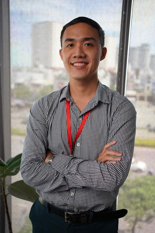 Liêu Quốc Sơn hiện là thầy giáo dạy tiếng Anh ở TP HCM. Ảnh: NVCC.