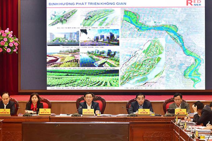 Thường vụ Thành uỷ Hà Nội cho ý kiến về đồ án Quy hoạch phân khu sông Hồng vào chiều 10/3. Ảnh: Viết Thành.