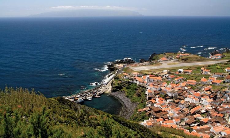 Một góc đảo Corvo thuộc quần đảo Azores, Bồ Đào Nha. Ảnh: Britannica.