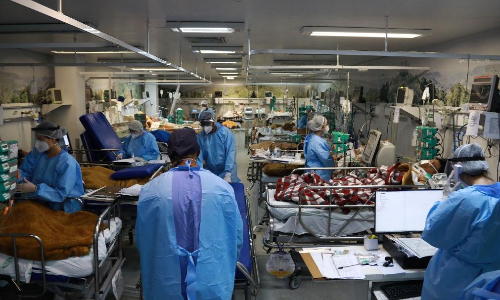 Một phòng cấp cứu kín bệnh nhân ở Porto Alegre, Brazil, hôm 11/3. Ảnh: AFP.