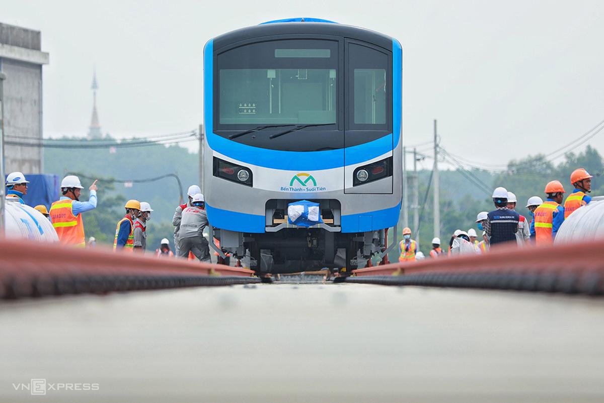 Đoàn tàu đầu tiên tuyến Metro Số 1 tại depot Long Bình hồi tháng 10/2020. Ảnh: Hữu Khoa.