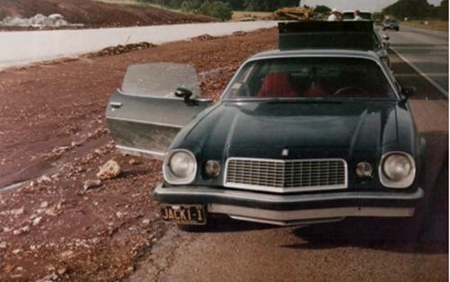 Chiếc xe đặc trưng của Jackie Johns. Ảnh: Oxygen.