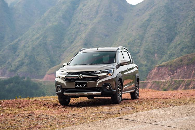 Suzuki XL7 trong một chuyến trải nghiệm.