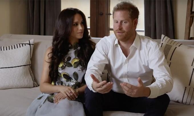 Hai vợ chồng Harry - Meghan xuất hiện trong sự kiện trực tuyến của Spotify hôm 22/2. Ảnh: Spotify.