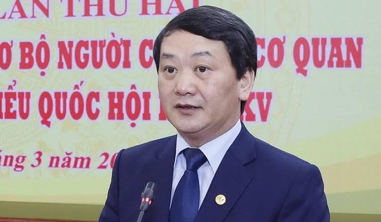 Ông Hầu A Lềnh, Phó Chủ tịch, Tổng thư ký Ủy ban Trung ương Mặt trận Tổ quốc Việt Nam, thông tin tại Hội nghị Hiệp thương lần 2 sáng 18/3. Ảnh: Hoàng Phong
