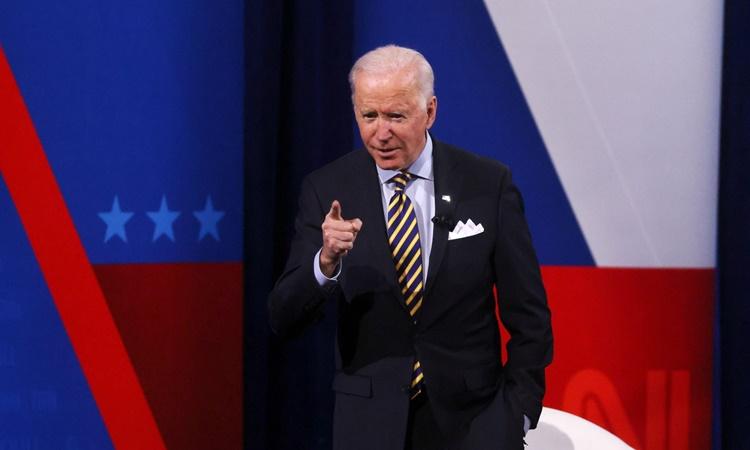 Tổng thống Mỹ Joe Biden phát biểu tại Milwaukee, Wisconsin, hôm 16/2. Ảnh: Reuters.