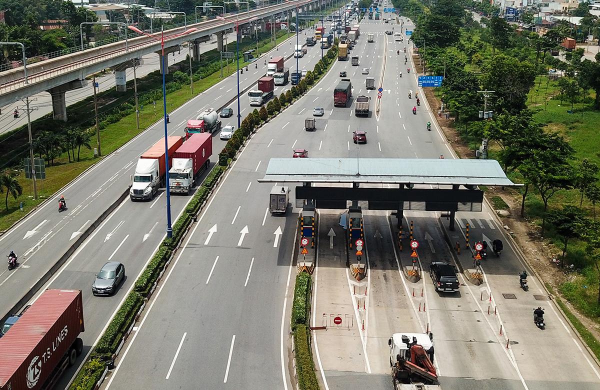 Trạm thu phí xa lộ Hà Nội, TP Thủ Đức, tháng 8/2020. Ảnh: Quỳnh Trần.