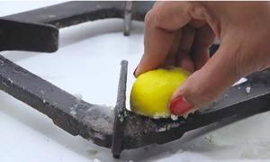 5 mẹo làm sạch bằng chanh