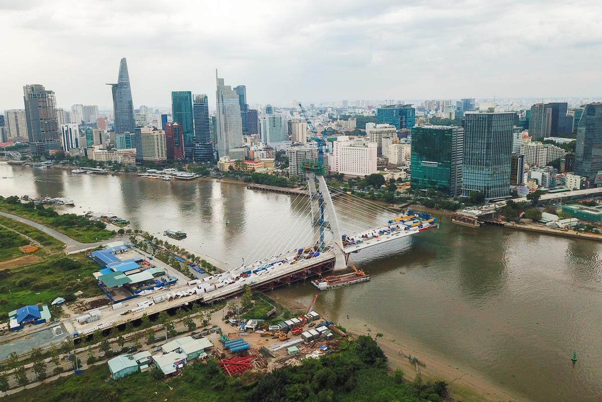 Cầu Thủ Thiêm 2 bắc qua sông Sài Gòn, nối Khu đô thị mới Thủ Thiêm qua quận 1, hồi tháng 1/2021. Ảnh: Quỳnh Trần.