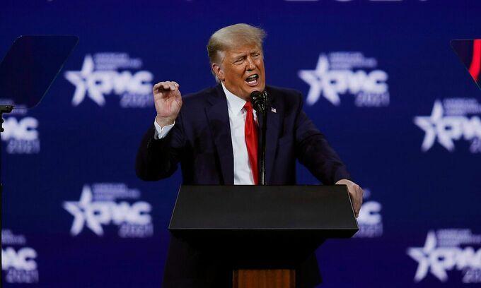 Trump phát biểu ngày 28/2 tại Hội nghị Chính trị Bảo thủ Mỹ (CPAC) ở thành phố Orlando, bang Florida. Ảnh: Reuters.