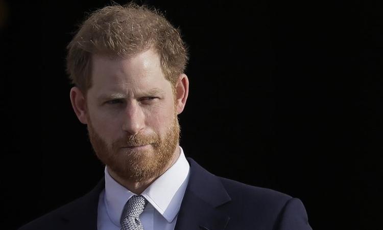 Harry tại cung điện Buckingham hồi tháng 1/2020. Ảnh: AP.